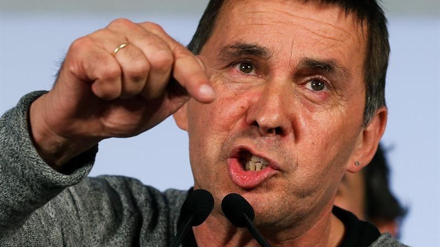 Otegi acusa a Urkullu de tratar de evitar un acuerdo entre el PNV y EH Bildu