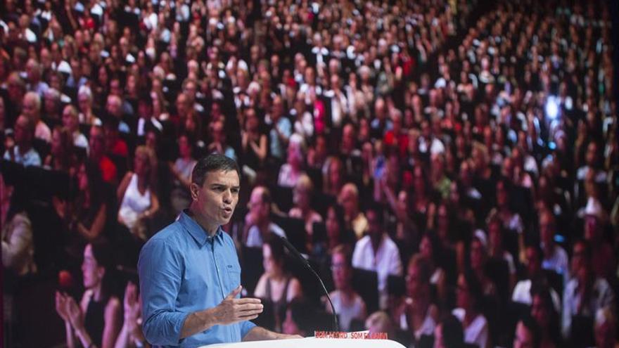 Sánchez insta a negociar ya con Cataluña y defiende España nación de naciones