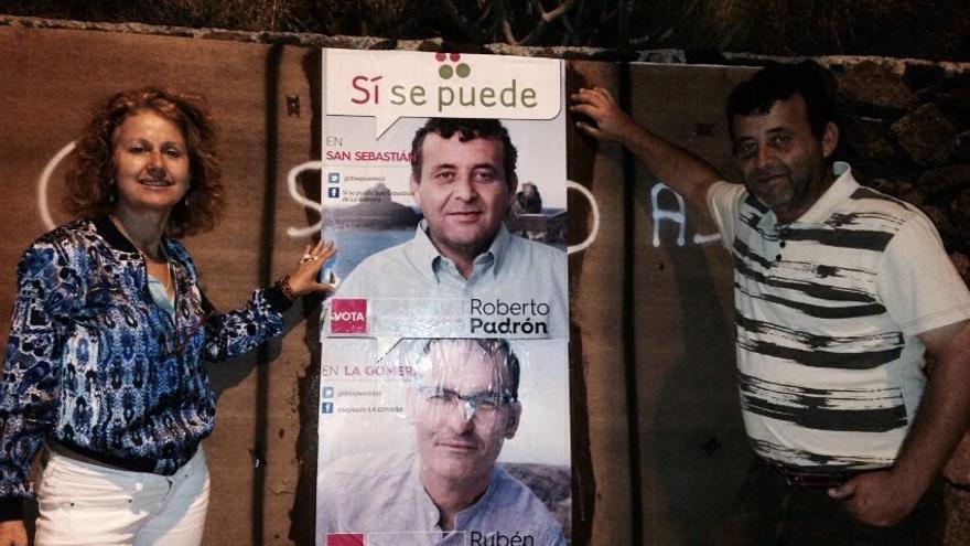 Pegada de carteles en La Gomera   Foto: Facebook SSP