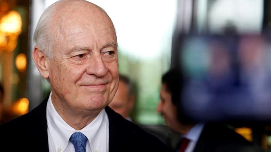 El mediador para Siria dice que reanudar las negociaciones sirias el día 25 no es realista