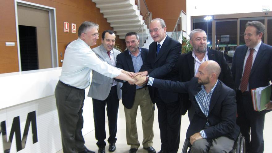 """Junta y Ayuntamiento llegan a un acuerdo que """"da garantías de viabilidad económica y social"""" al metro"""