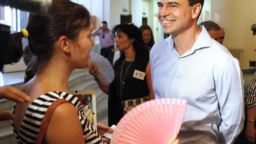Andrés Herzog, nuevo líder de UPyD con el 43 por ciento de los votos