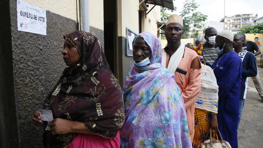 Costa de Marfil vota las presidenciales en tensión y con baja afluencia