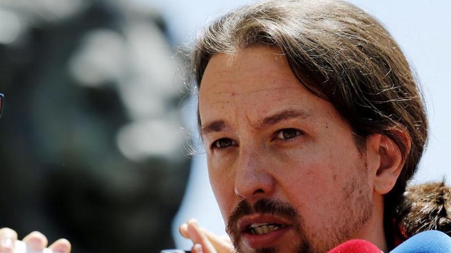 Iglesias no renuncia al referéndum y reclama cambios al PSOE para negociar