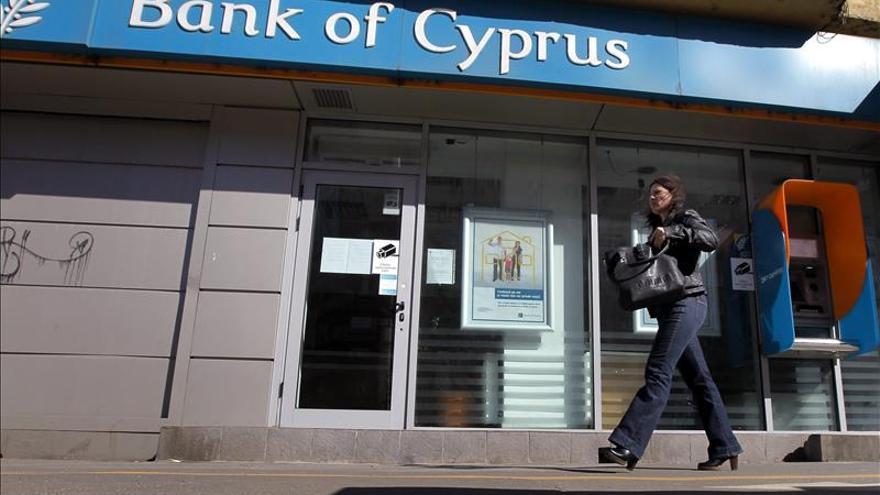La troika inicia la evaluación del rescate chipriota centrada en los créditos morosos