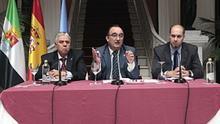 Valentín Cortés presenta las cuentas de la Diputación de 2015 / Diputación Badajoz