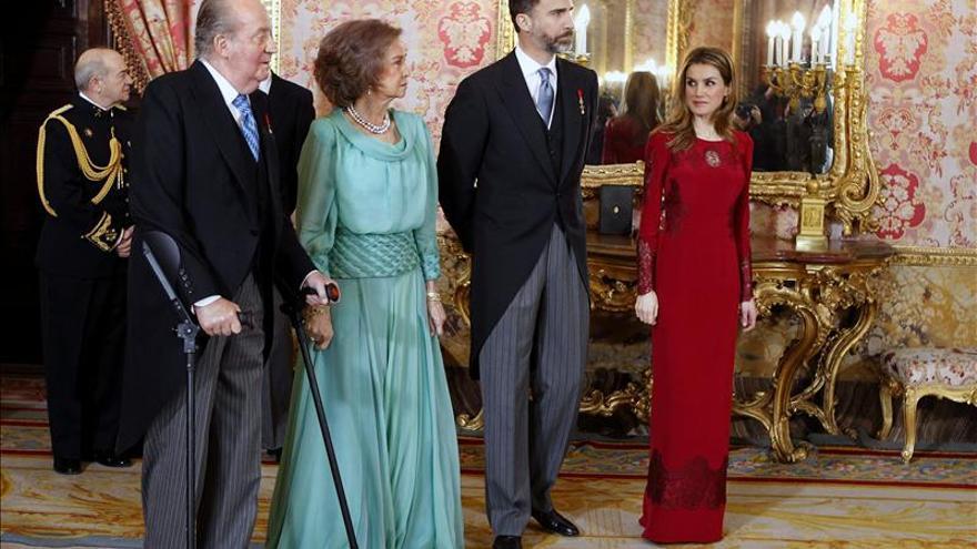 El Rey subraya que los inversores internacionales ya aprecian las reformas de España