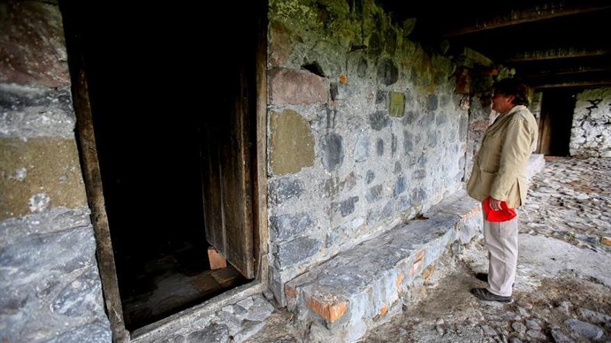 Una rústica casa a los pies de un volcán evoca el paso de Humboldt por Ecuador