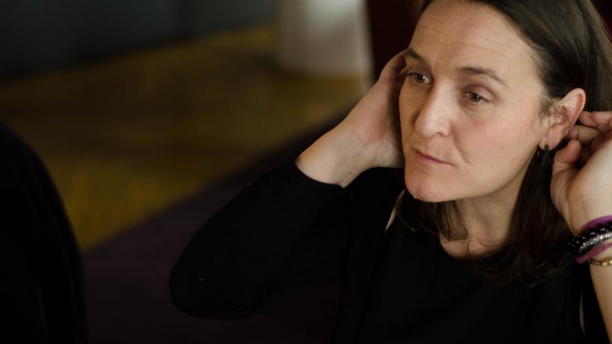 Tania Balló, creadora del proyecto 'Las Sinsombrero' durante la entrevista. / Miguel Campos