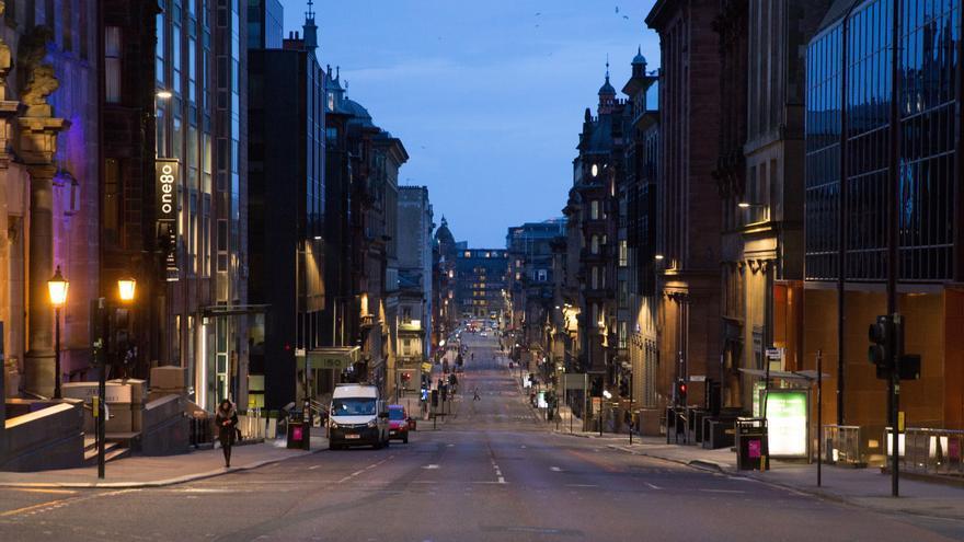 """Glasgow afronta una """"crisis de basuras"""" a punto de albergar la COP26"""