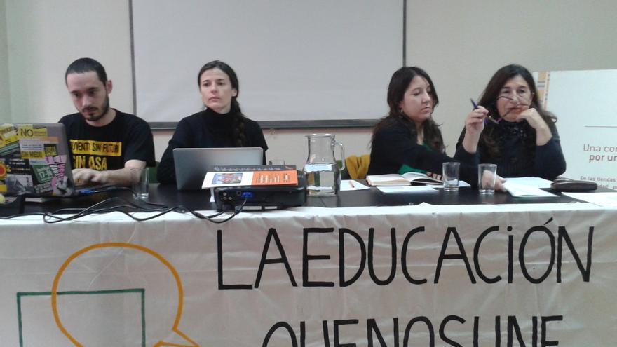 Miembros de la plataforma 'La educación que nos une', contraria a la LOMCE / L.O.