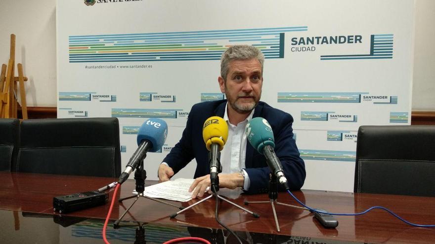 Javier Ceruti (Cs), en el Ayuntamiento de Santander.   R.A.