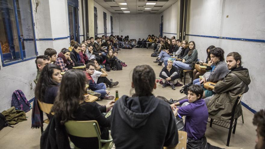 Asamblea del movimiento de jóvenes en lucha contra el cambio climático.