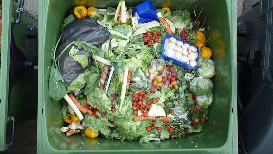 Solo en España se tiran más de 1.200 millones de kilos de comida al año