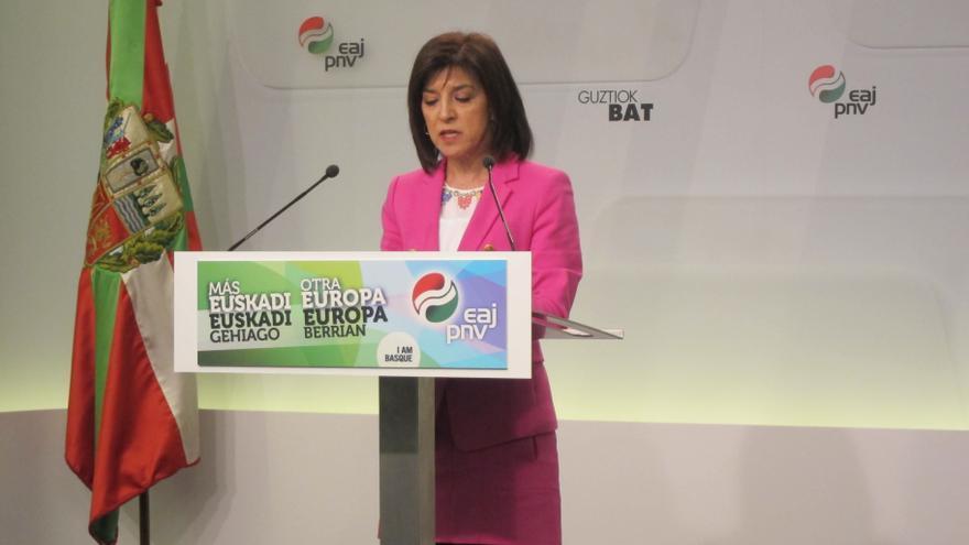 La europarlamentaria del PNV Izaskun Bilbao en una rueda de prensa