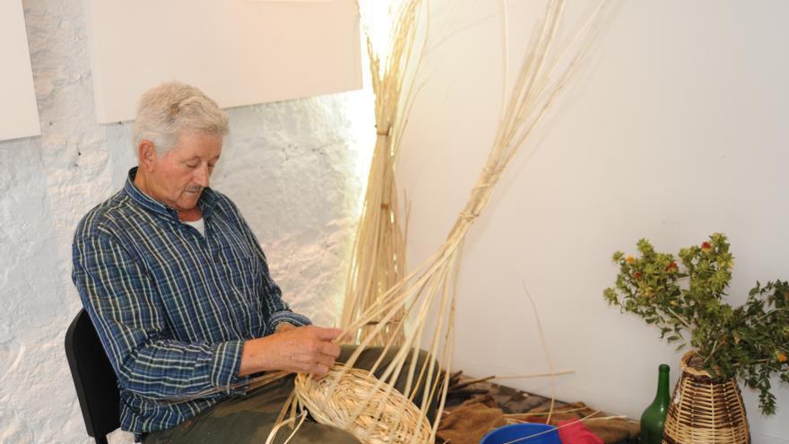 El cestero Honorio Rodríguez