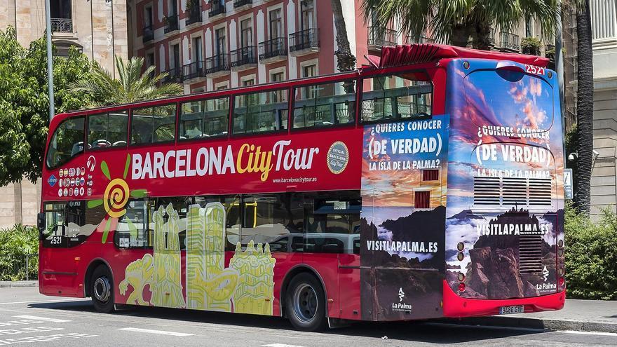 Una de las guaguas que recorren los principales puntos de interés turísticos de Barcelona.