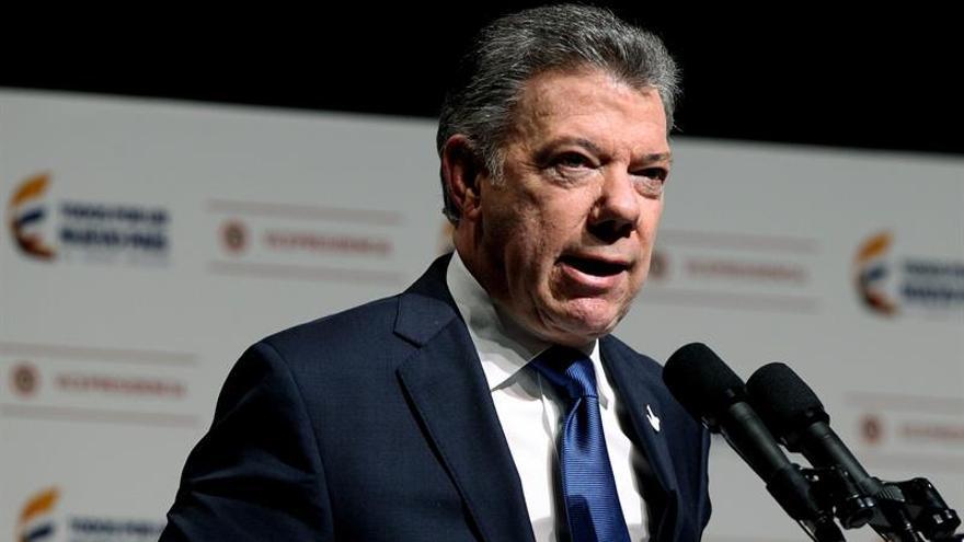 El presidente de Colombia agradece el premio por la Paz de Gernika