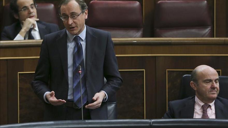 Alonso garantiza que los maltratadores condenados no tendrán la custodia de los hijos