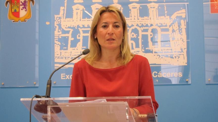 """La alcaldesa de Cáceres cree que Monago ha puesto """"las cosas en su sitio"""" y destaca su """"honradez"""" y """"honestidad"""""""