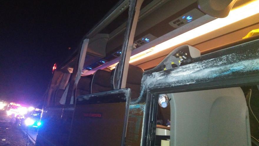 Imagen del autobús accidentado en Villargordo del Cabriel
