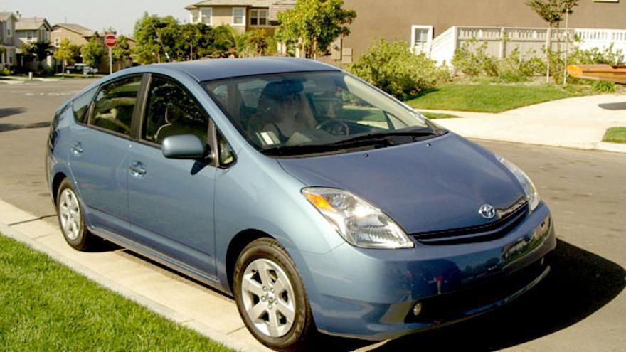 Híbrido: Dicho de un motor y, por extensión, de un vehículo