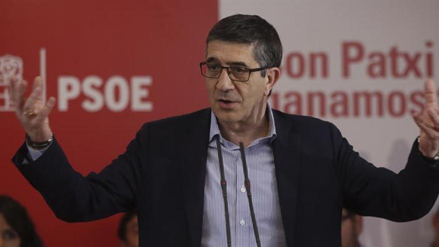 """López pide al PSOE dejarse de """"trifulcas"""" para ser """"alternativa"""" a la derecha"""