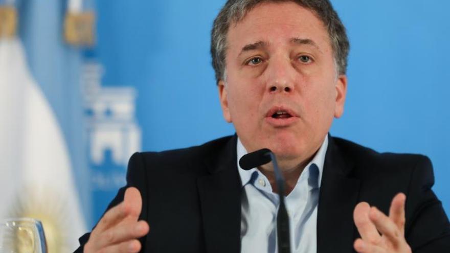 El ministro de Hacienda argentino dimite tras el terremoto financiero poselectoral