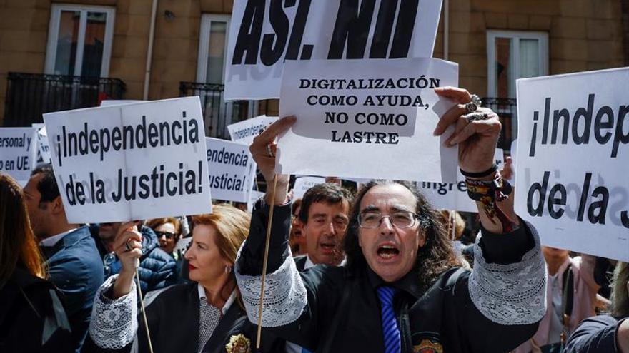 Concentración de jueces y fiscales durante su última huelga, el pasado 22 de mayo.