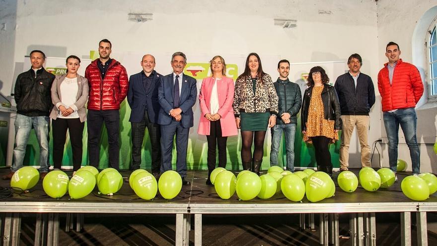 """Revilla ve """"ambiente para votar al PRC, el único partido coherente y unido y lleva 40 años defendiendo Cantabria"""""""
