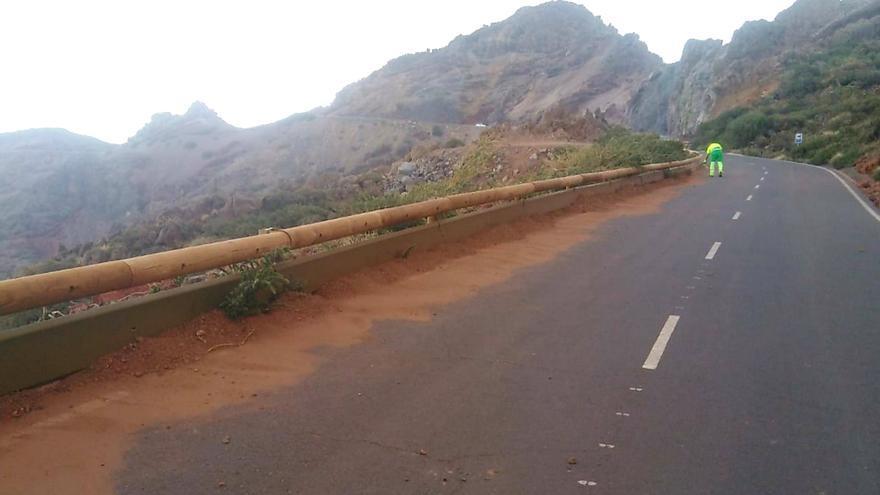 Carretera de acceso al Roque de Los Muchachos.