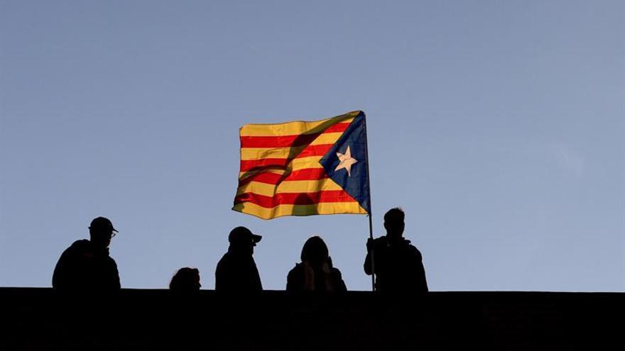 Un 69 por ciento catalanes y 76 de españoles están de acuerdo con elecciones