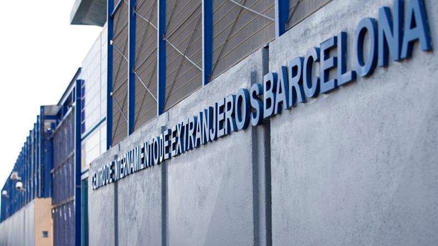 El Ayuntamiento de Barcelona dice que la única solución al CIE es cerrarlo