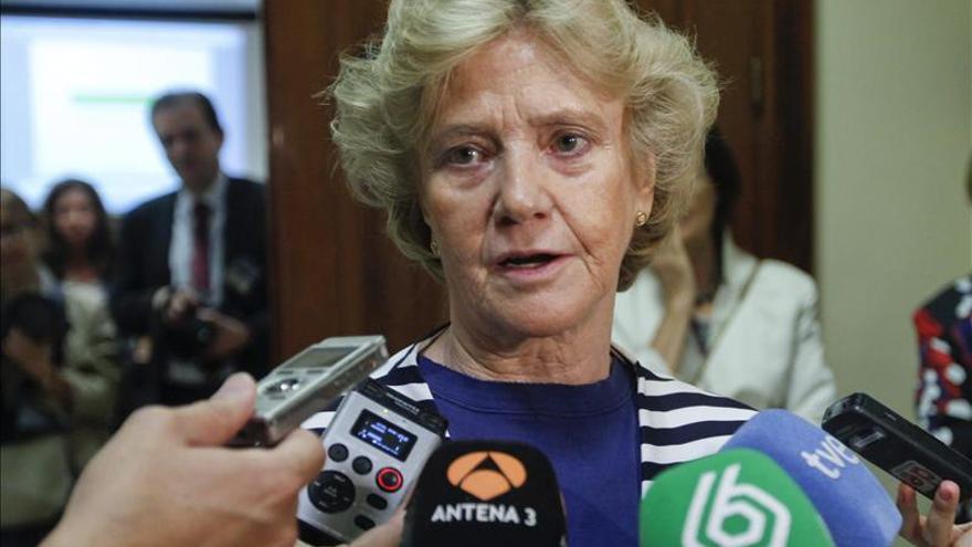 La defensora del Pueblo pide combatir la corrupción con la severidad de la ley