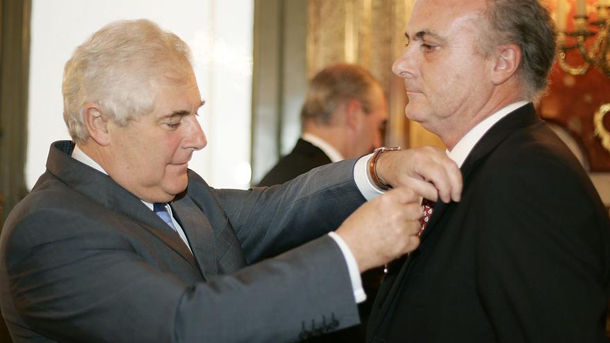 Manuel García Castellón, recibió la Legión de Honor francesa en 2006