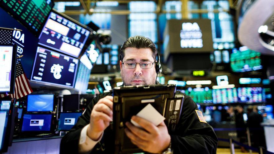 Wall Street abre verde y el Dow Jones gana un 0,47 % por el posible estímulo en EE.UU.
