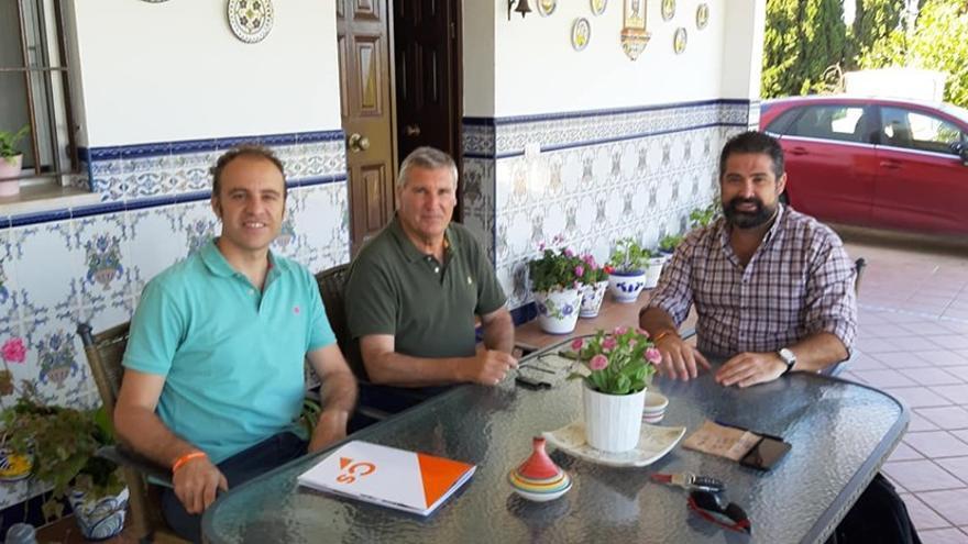 Medina (izquierda), Polo (centro) y Barroso (derecha), durante la negociación.