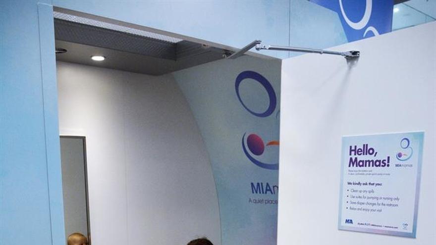 El aeropuerto de Miami pone en marcha servicio de cabinas de lactancia materna