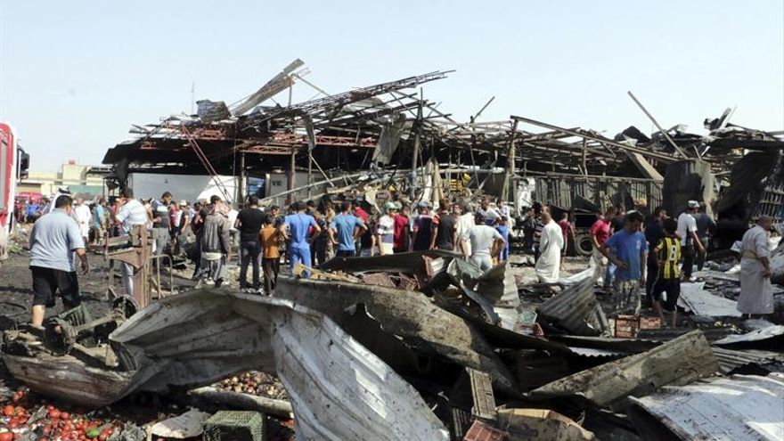 El EI reivindica el atentado con 64 muertos en un mercado de Bagdad