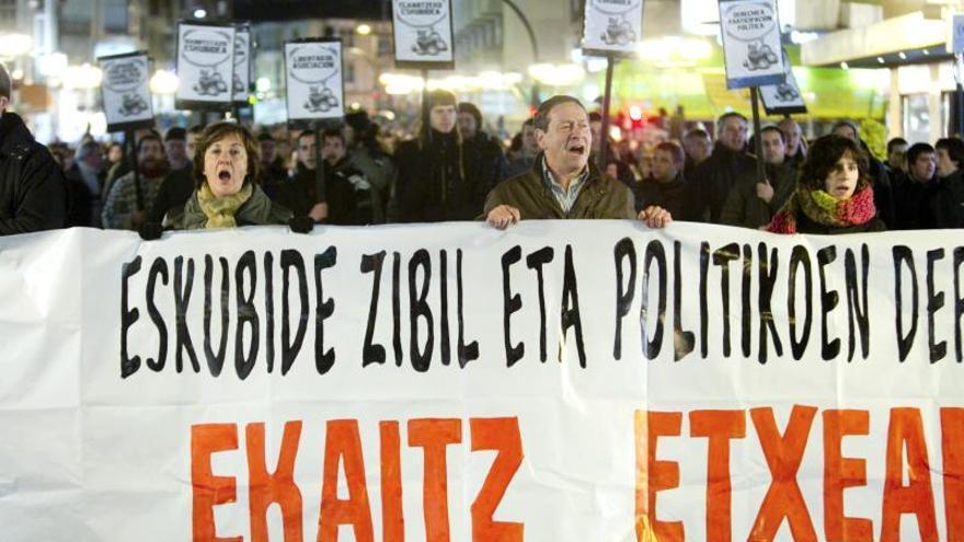 Detenidos dos huidos de Segi tras reaparecer en Vitoria