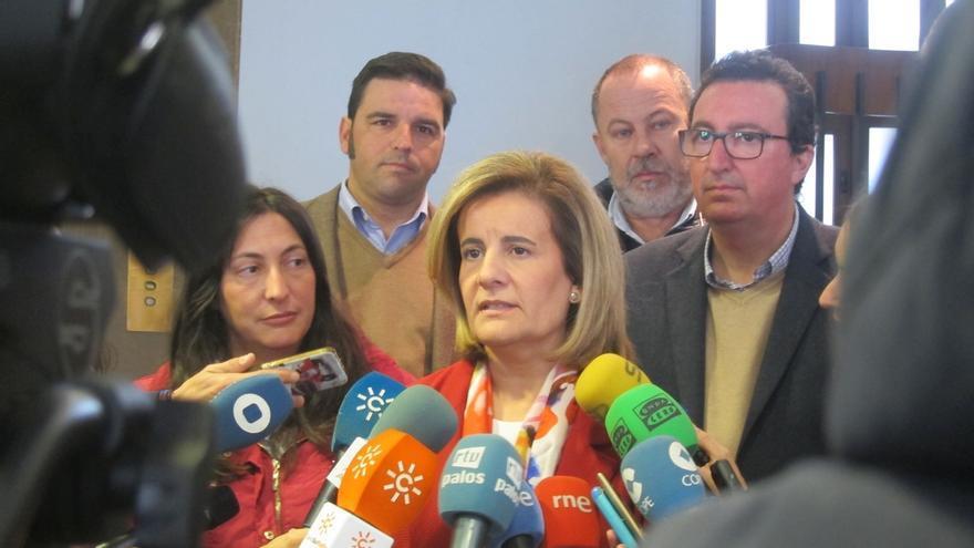 """Báñez pide tranquilidad a la plantilla de Abengoa y asegura que están """"a tiempo"""" de buscar una solución"""