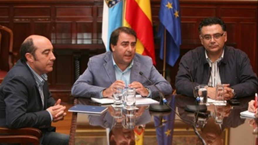 REUNIÓN DEL GOBIERNO MUNICIPAL PRESIDIDA POR EL ALCALDE.