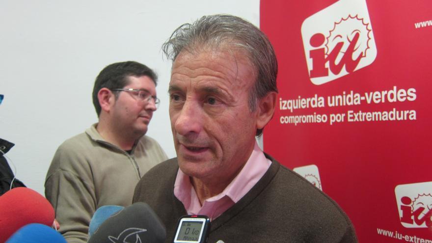 """IU Extremadura dice que """"cualquier cargo público nombrado"""" no debe concurrir a procesos de selección de quien los nombra"""