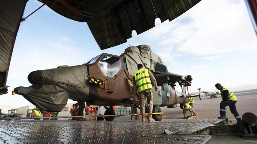 """Llegan a Afganistán tres helicópteros """"Tigre"""" para proteger a las tropas españolas"""