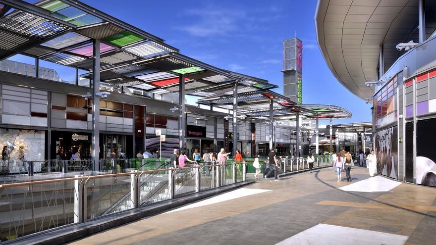 La afluencia a centros comerciales cae un 8,8% en agosto y rompe con dos meses consecutivos al alza