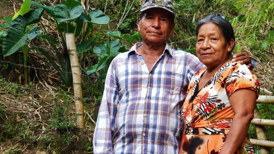 Un matrimonio campesino indígena en el norte del Cauca, una de las zonas más afectada por el conflicto armado    Foto: Berta Camprubí