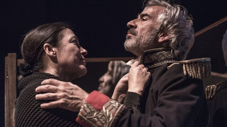 Imanol Arias recibe el sábado el premio Duende Zahorí tras la obra 'El coronel no tiene quien le escriba'