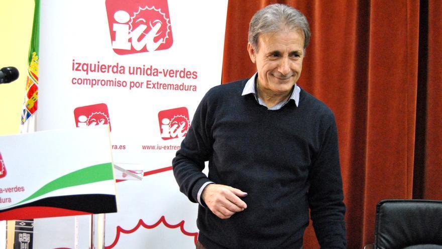 Escobar revalida su liderazgo al frente de IU Extremadura / JCD