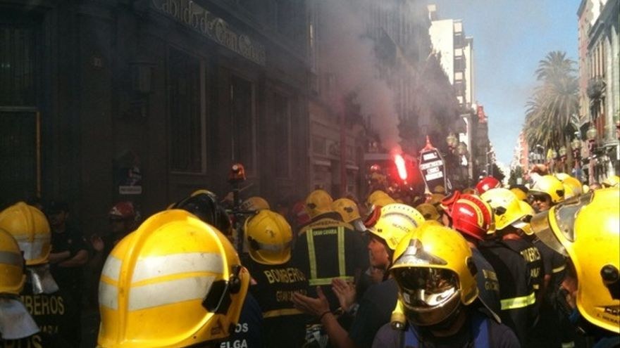 De las protesta de los bomberos #10