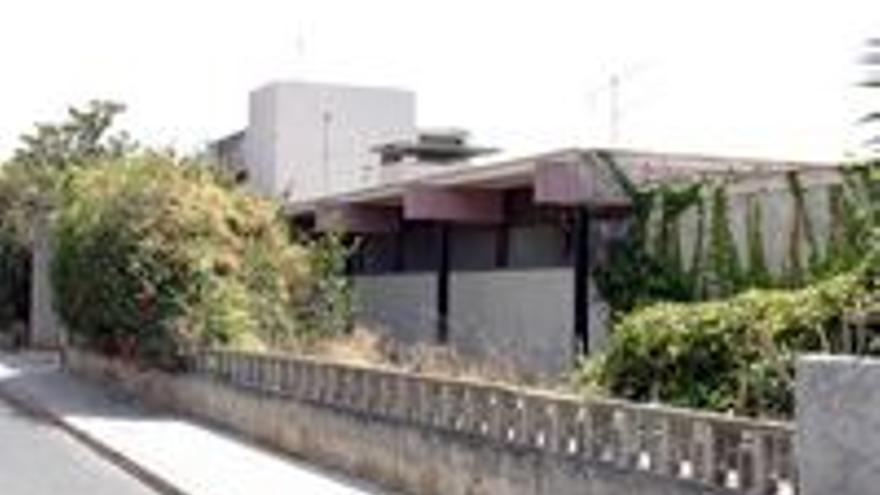 La vieja casa que compró Soria, que demolió y sustituyó por su actual chalé.